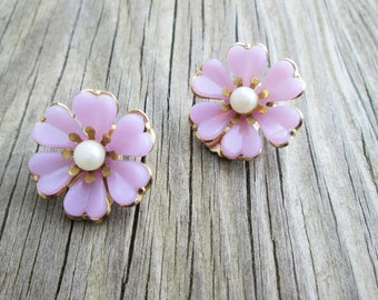 Lavender Thermoset Pearl Flower Earrings, Clip Ons Coro? Lisner