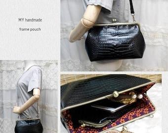 Sale Leather frame clutch purse / bridesmaid gift  bridesmaid clutch / kiss lock bag / everyday bag for iPad mini