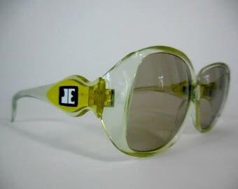 Jacques Esterel Paris. Oversized vintage sunglasses, 70s sunglasses. Jackie O style sunglasses. Blue gradient frame