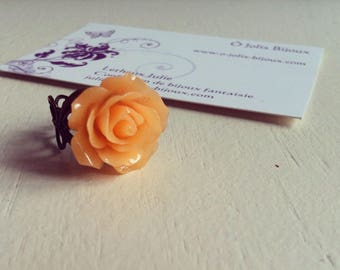 Ring bronze and resin flower