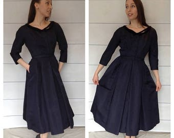 40% OFF 1950s Navy Blue Faille & Velvet Party Dress Medium 36-28-full