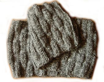 Chunky scarf in mixed fancy dots grey