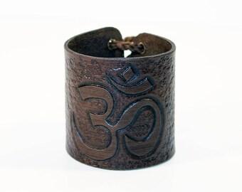 Bracelet with Om symbol! Handmade leather cuff! Om sign! Yoga symbol! Leather bracelet! Leather accessories!