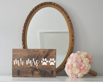 Mr and Mrs Key Holder and Dog Leash Holder, Entryway Organizer, Key Organizer, Wedding Gift, Housewarming Gift, Dog People, Two Dogs