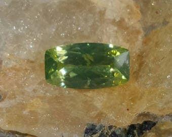 Natural green zircon from Sri Lanka - 1.29ct, cushion cut