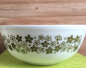 Vintage Pyrex 404 Green Daisy Mixing bowl