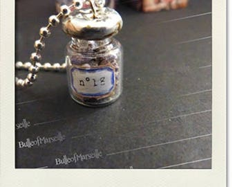 Spirit cabinet of curiosities - No. 18, vial necklace