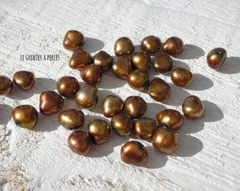 PEAR 7 mm Bronze beads x 22