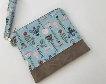 Small wristlet //coin pouch//iPhone bag//bee fabric