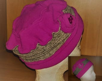 size 52/53 grey fuschia fleece hats