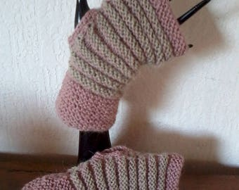 mittens fantasies without thumbs in soft colors