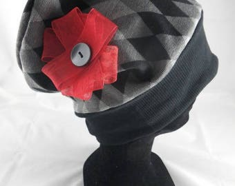 Bas039 - Grey and Black diamonds and red flower patterned chemo Hat