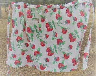 Vintage Cotton Strawberry Apron, Vintage Apron, Strawberry Apron