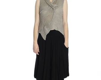 Summer taupe linen top, M size. Made of pure linen.