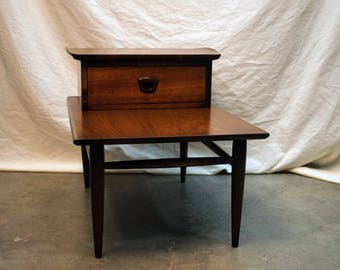 Mid Century Modern Bassett Artisan end table with drawer