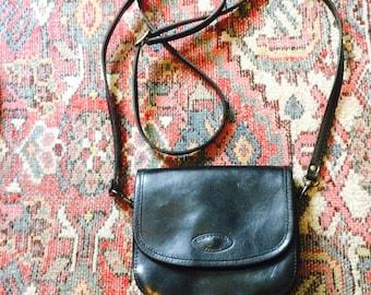 Small leather vintage bag| klein leren schoudertasje| vintage leather bag| St.Raphael | Paris | made in france| black leather small bag|