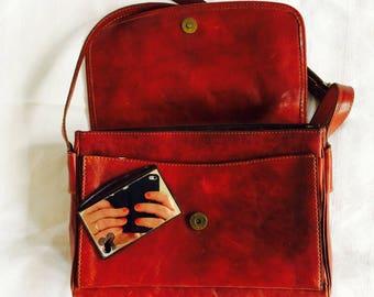 SALE- Vintage leather bag| vintage messengerbag| oxblood| cognac| leren schoudertas| La Moda| lots of space