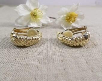 Beautiful Vintage Gold Tone Pair Of Half Hoop Clip On Earrings  DL#3255