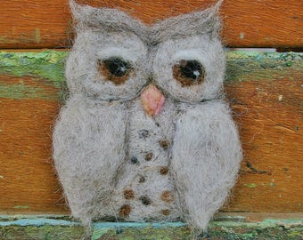 Needle felted owl brooch - owl pin - owl jewellery - felt bird brooch - gift for her