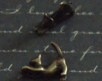 2 cat stretching 15x17mm bronze metal beads
