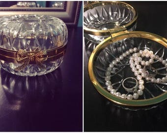 Mrs. Ring dish-Vintage round crystal jewelry holder with gold band and gold bow-vintage jewelry holder,proverbscorner