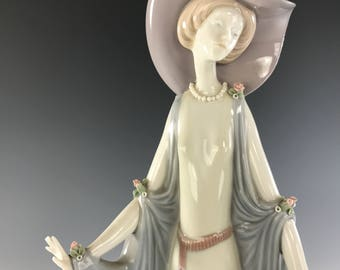 LLADRO Afternoon Tea Statuette RETIRED #1428