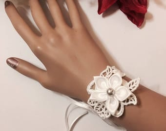White lace bracelet * wedding *.