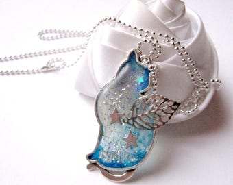 pendant necklace winged cat