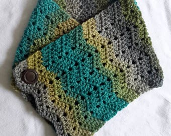 Cowl, Scarf, Neckwarmer, Crochet Cowl with Vintage Button Detail