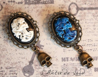 Broches gothique squelette camée résine bleu ou blanc pirate