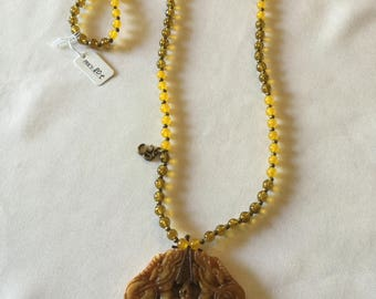 Natural stone Ambar and yellow necklace