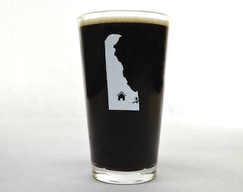 Delaware Beer Glass - State Pint Glass - Pint Glass - Personalized Pint Glass - Etched Pint Glass - Groomsmen Pint Glass