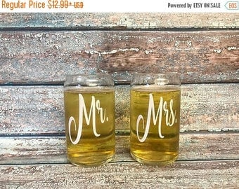 SUMMER SALE Custom beer glasses - beer can glasses - gift for groomsmen - personalized groomsmen gifts - mr and mrs glasses - gift for the c