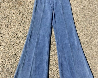 Levis 1973 Flared Denim Jeans 30/32