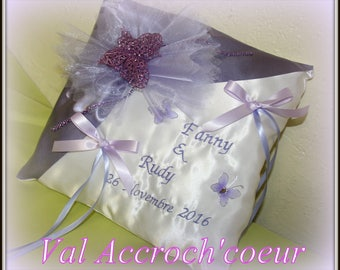 fanny collection guestbook pen and cushion