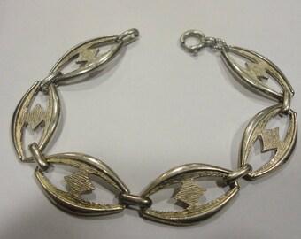 Beautiful Vintage Silver Bracelet 14.24 Grams.
