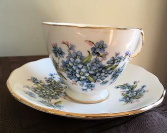 Vintage Tea Cup and Saucer by Royal Vale (pattern 7911)