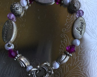 Vintage love and friendship Bead and charm bracelet