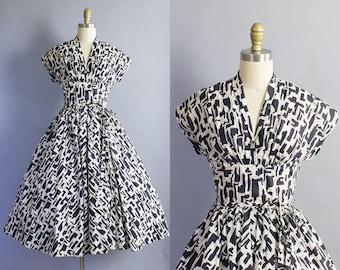 1950s Suzy Perette Dress/ 50s cotton black and white graphic print dress/ Small (34b/26w)