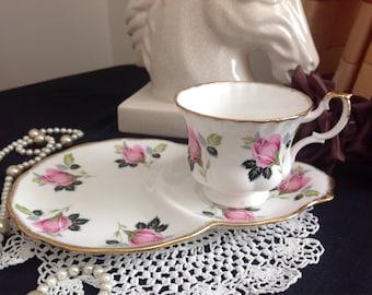 Pretty pink rosebud tennis set. English bone china