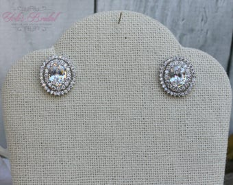 FAST SHIPPING!! Beautiful Silver Zirconia Earrings, Bridal Zirconia Earrings, Mother of the Bride, Bridesmaid Earrings, Sweet 16 Earrings