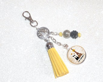 Jewelry bag Keychain yellow tassel, beads and cabochon cat lovers in the Eiffel Tower