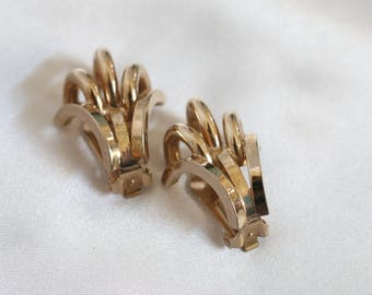 Vintage Gold Tone Clip On Earrings by Bergere