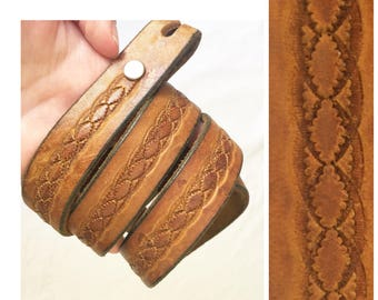 70s TOOLED LEATHER BELT / vintage brown removable belt buckle snap closure exchangeable buckle 25 26 27 28 29 30 waist belt small medium