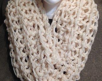 Infinity scarf - cream