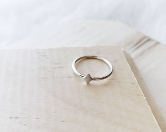 R1037 - New Sterling Silver Matte Diamond Shape Size 6 Ring