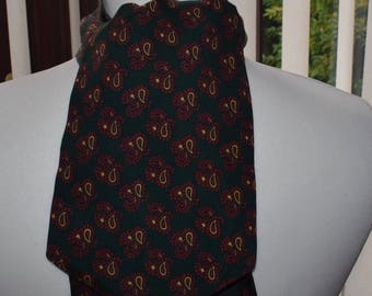 Tootal 1960's Green and Red Paisley Patterned Cravat