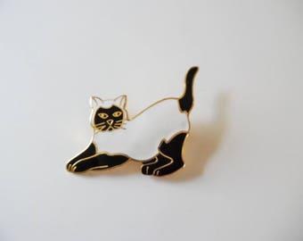 Vintage Cat Brooch Vintage Cat pin Vintage kitten brooch Vintage kitten pin Vintage brooch Vintage black white Brooch black Pin gold pin