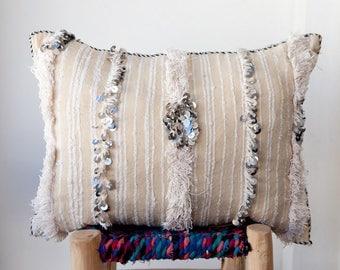 MOROCCAN PILLOW #272, Moroccan Wedding Blanket Pillow, Moroccan Cushion, Vintage Pillow, Decorative Pillow, Handira Pillow, Moroccan Pillows