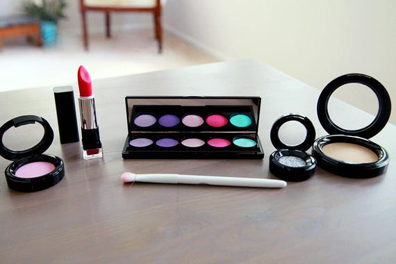 Pretend makeup
